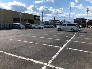 オリンピア駐車場