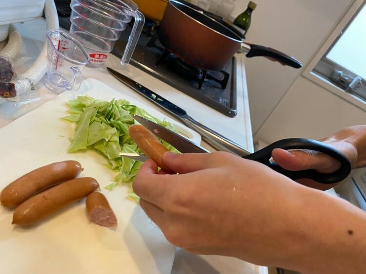 キッチンバサミで料理